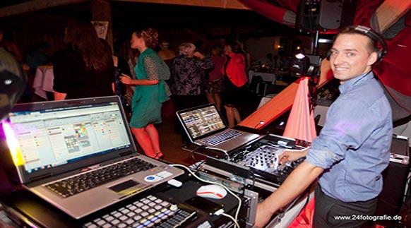 DJ für den Abschlussball | DJ in Karlsruhe, Baden-Baden, Bühl, Achern